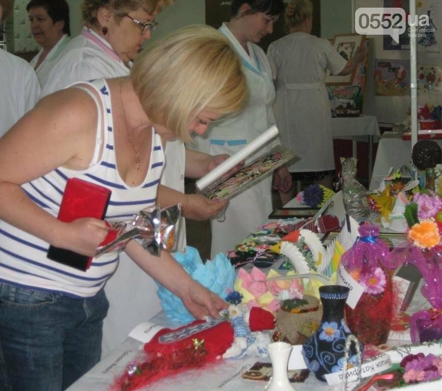 Вчора на благодійній виставці херсонці зібрали 15 тис грн для Настусі Целінко, фото-1
