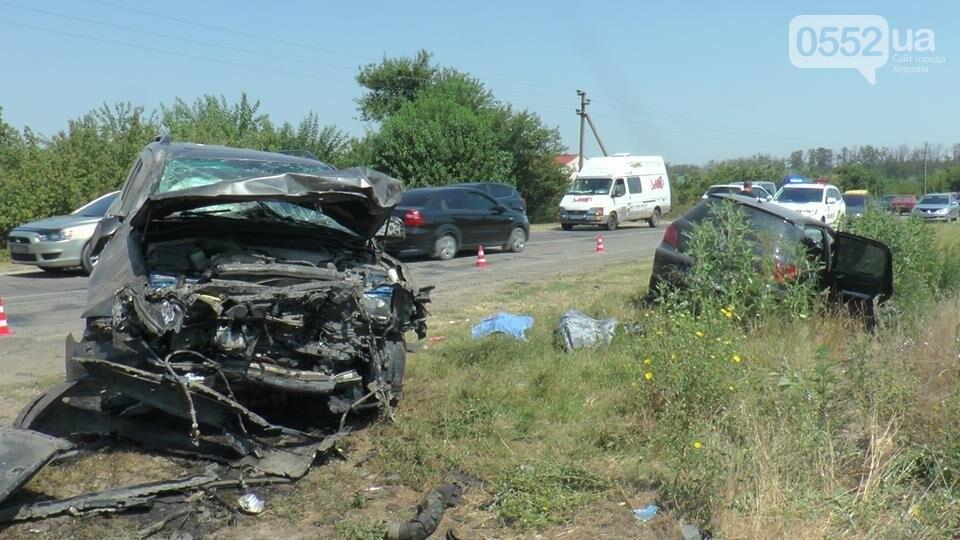 Поліція встановлює обставини ДТП з тяжкими наслідками в Олешківському районі (ФОТО), фото-4