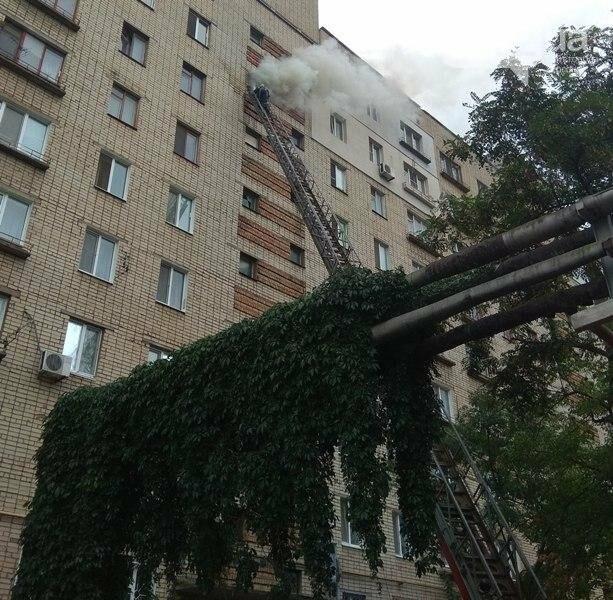 У Херсоні через нерадивого сусіда постраждали жильці висотного будинку, фото-1