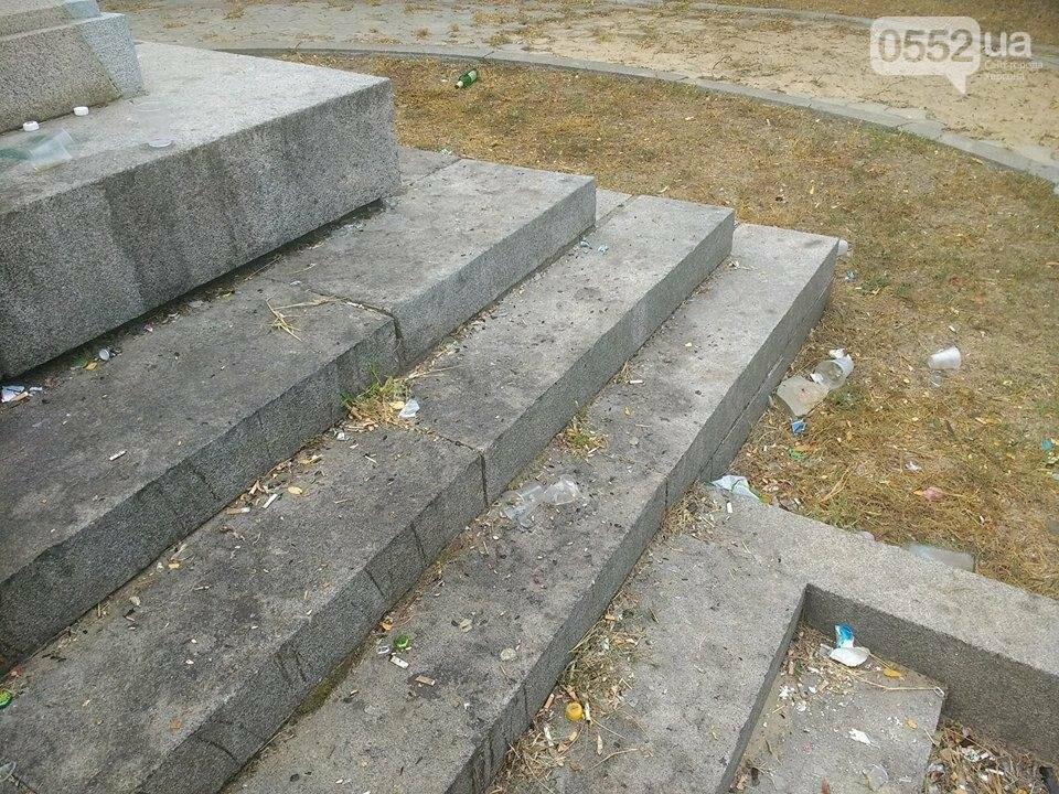 Жители райцентра Херсонщины возмущены досугом молодежи, фото-5
