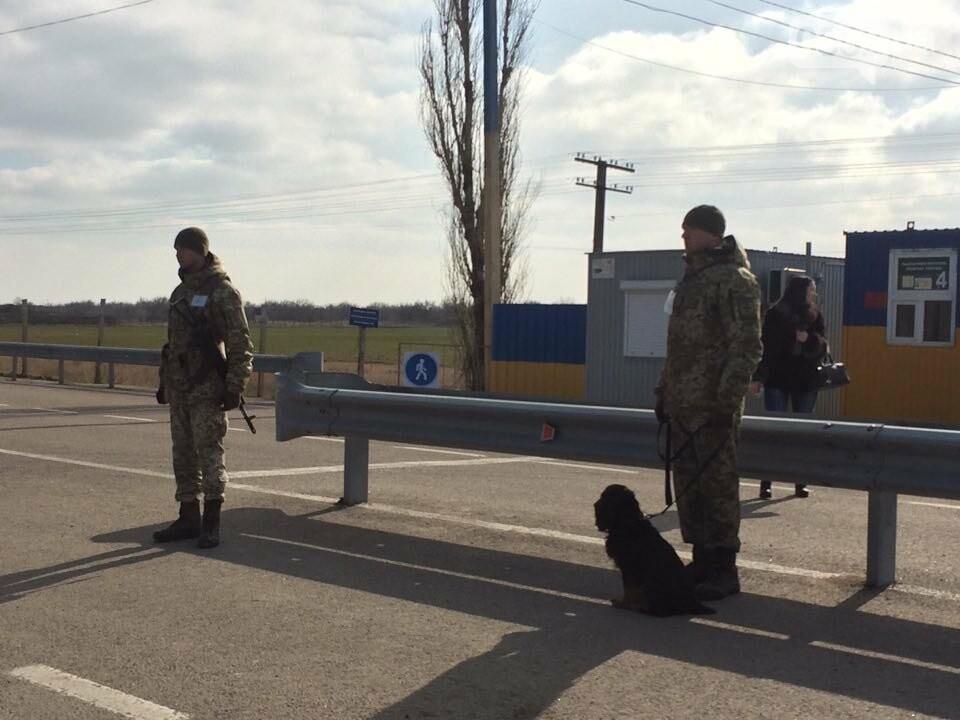 """В ходе пресс-тура Херсонской ОГА на КПВВ """"Каланчак"""" потерялась журналистка из Киева, фото-1"""