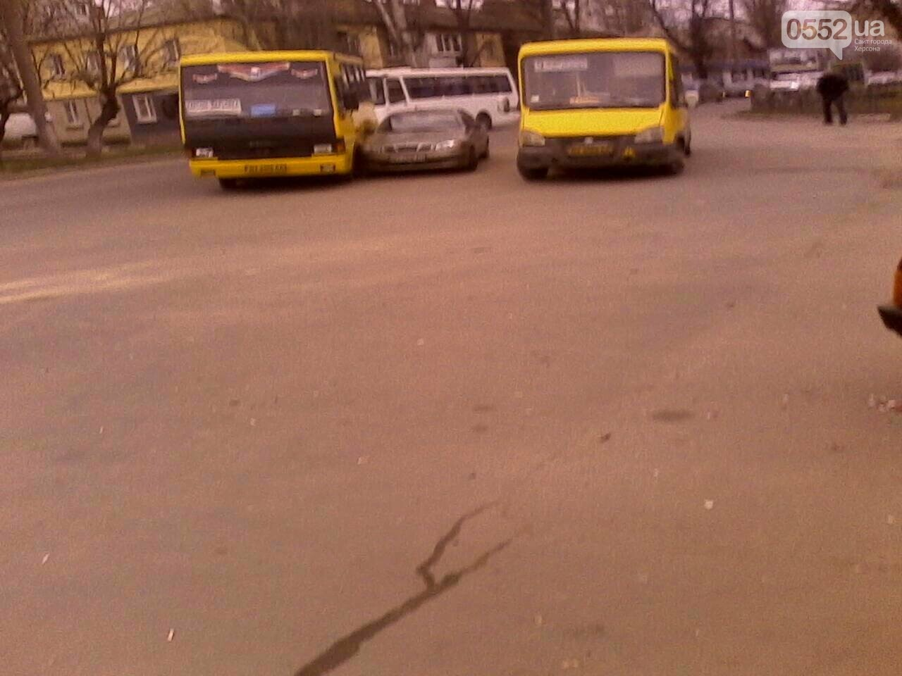 В Херсоне произошло ДТП с участием маршрутки (фото), фото-1