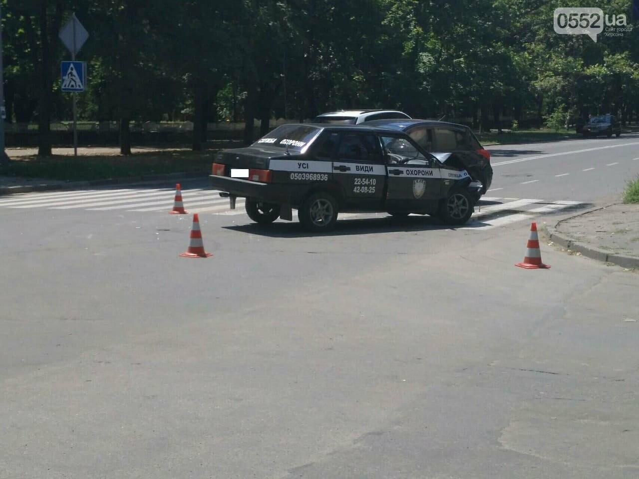 В Херсоне авария на пешеходном переходе (фото), фото-2