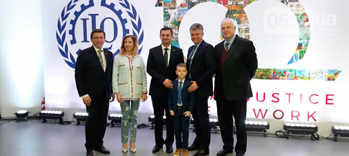 Школьник из Новой Каховки достойно представил Херсонщину на Всемирном телемарафоне, фото-5