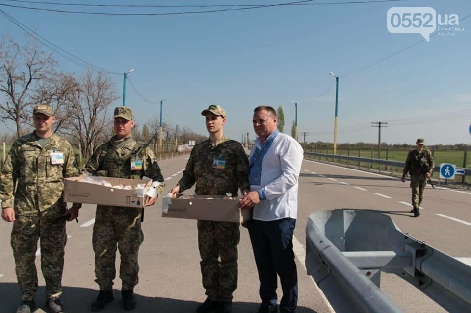Благодатный огонь в Крым передали пограничники Херсонской области , фото-4