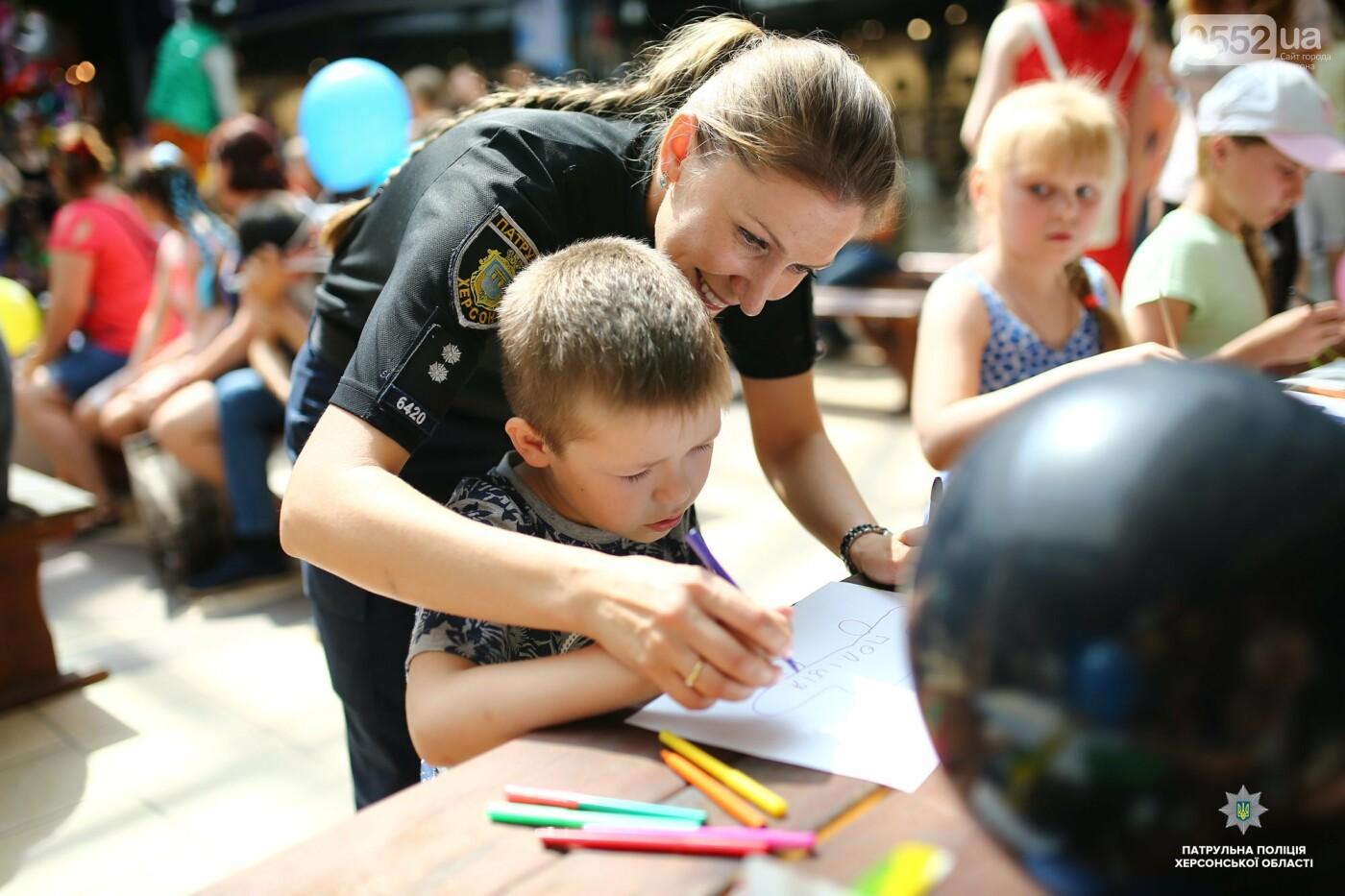Полицейские подарили маленьким жителям Херсона отличный праздник в День защиты детей , фото-5