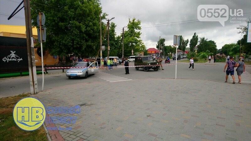 В курортном Геническе эвакуировали 800 человек и 75 автомобилей: ищут бомбу, фото-2
