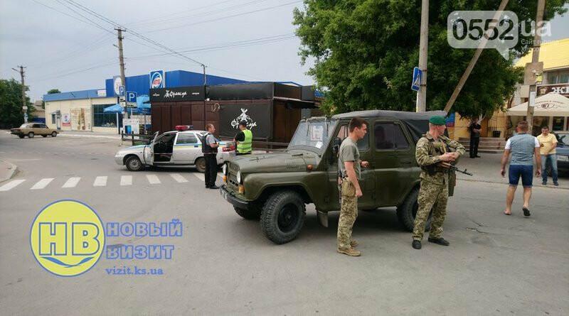 В курортном Геническе эвакуировали 800 человек и 75 автомобилей: ищут бомбу, фото-1