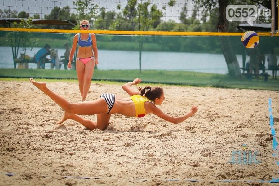 В Херсоне проходит Чемпионат Украины по пляжному волейболу , фото-2