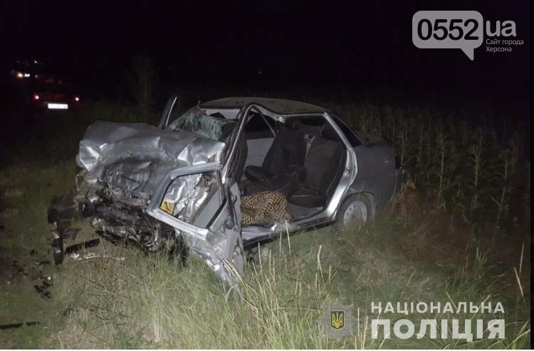 В страшном ДТП под Херсоном погиб молодой парень, еще четверо получили тяжелые травмы , фото-1