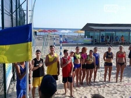 На Херсонщине проходит Чемпионат Украины по пляжному гандболу: в Скадовск съехались лучшие, фото-1