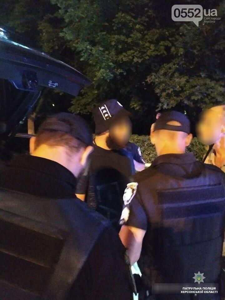 Погоня со стрельбой в Херсоне: буйный водитель BMW X6 пытался сбежать от полиции, фото-3