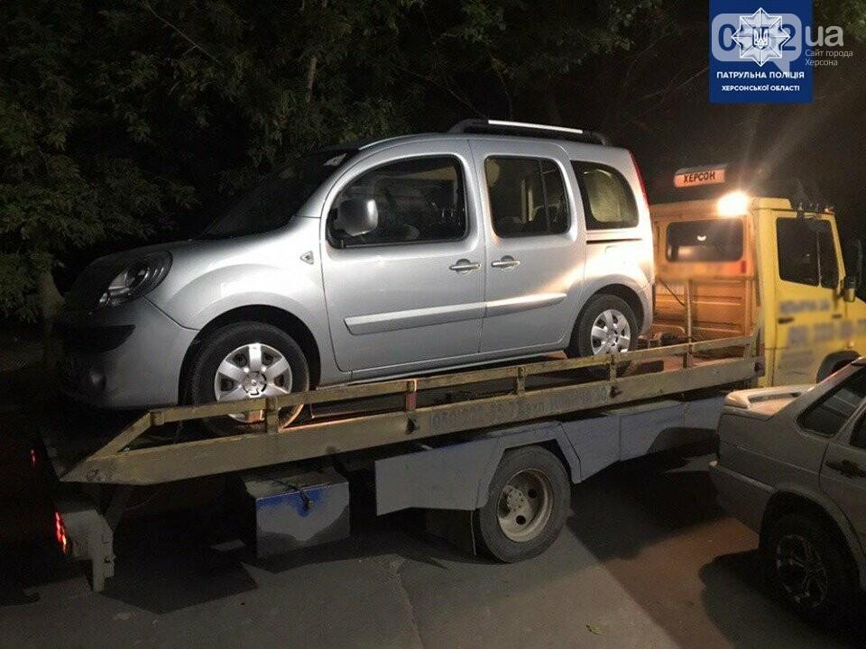 В Херсоне задержали мертвецки пьяного водителя: доза алкоголя в крови в семь раз превысила норму, фото-2