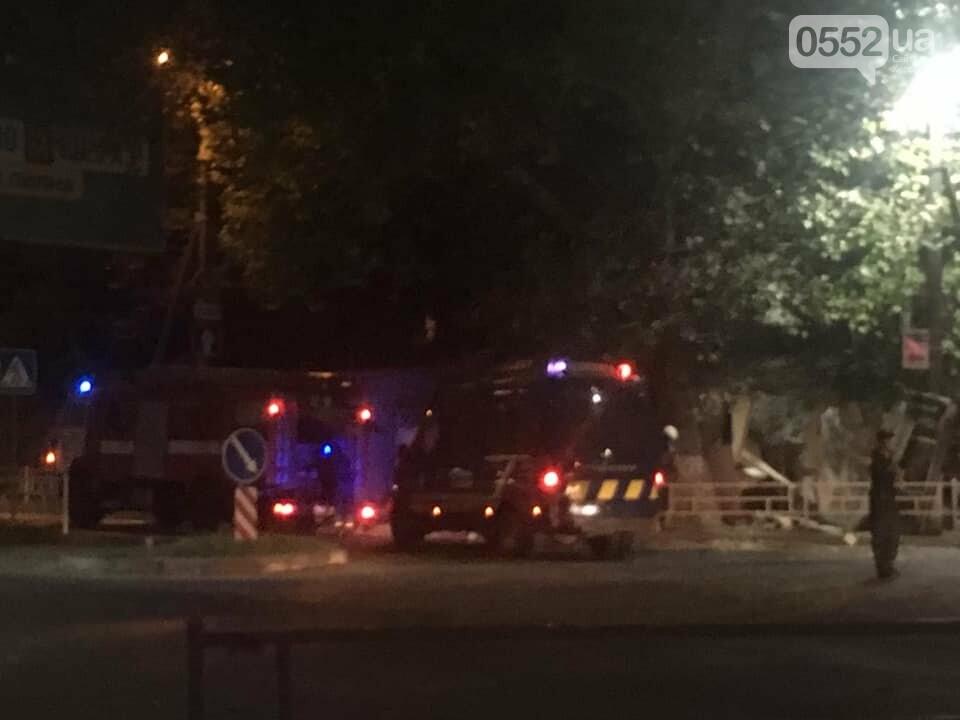 В Херсоне прогремел взрыв: ночью полиция, пожарные и медики ликвидировали последствия ЧП , фото-1