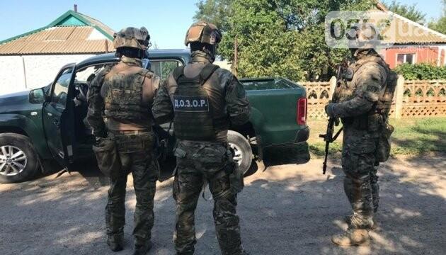 На Херсонщине обезвредили банду, грабившую перевозчиков в Крым , фото-1