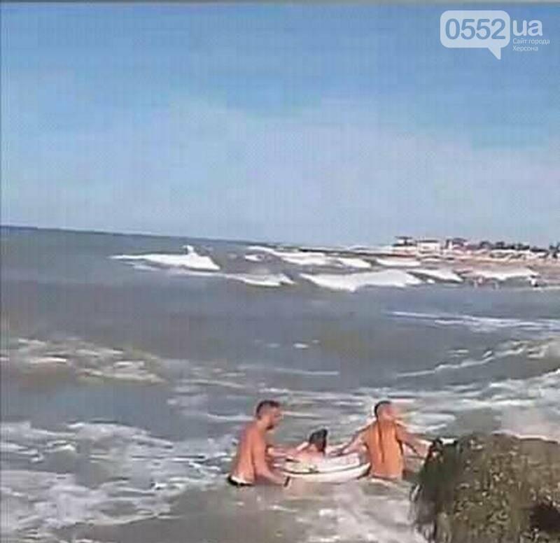 На Херсонщине турист спас жизнь двум девочкам и мужчине: едва не утонули в Железном Порту , фото-2