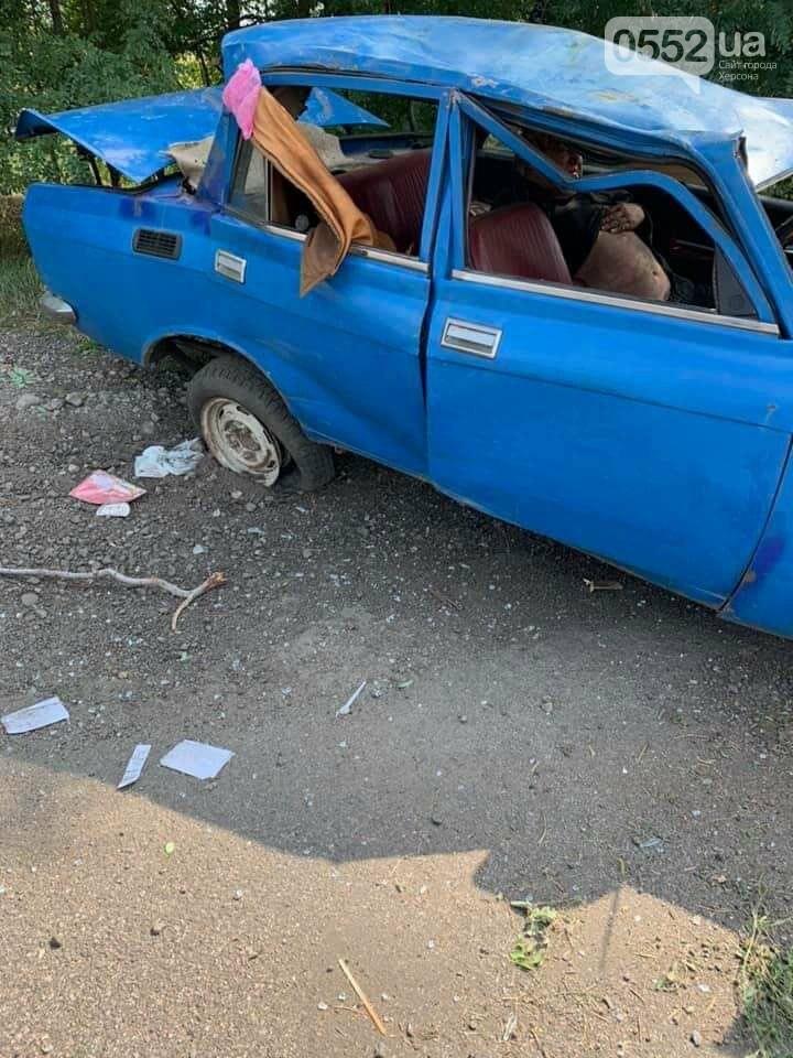 На трассе Херсон-Запорожье в страшное ДТП попал инвалид: его спасли волонтеры из Херсона, фото-4