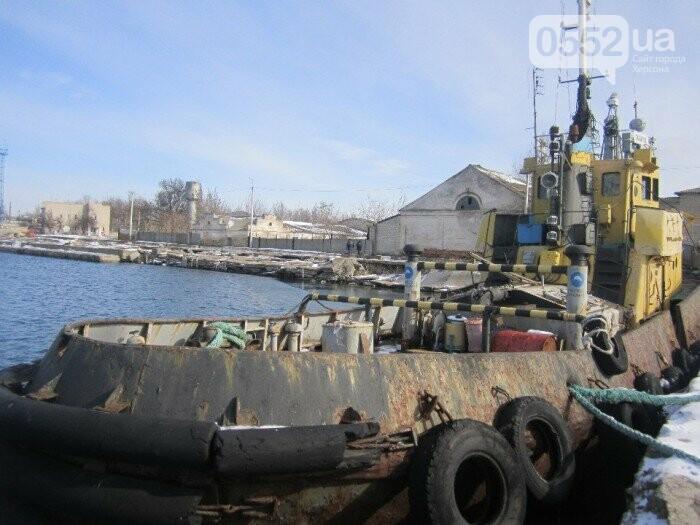 Скадовский порт на Херсонщине продает 40-летний буксир с пробоиной: срочно нужны деньги, фото-3