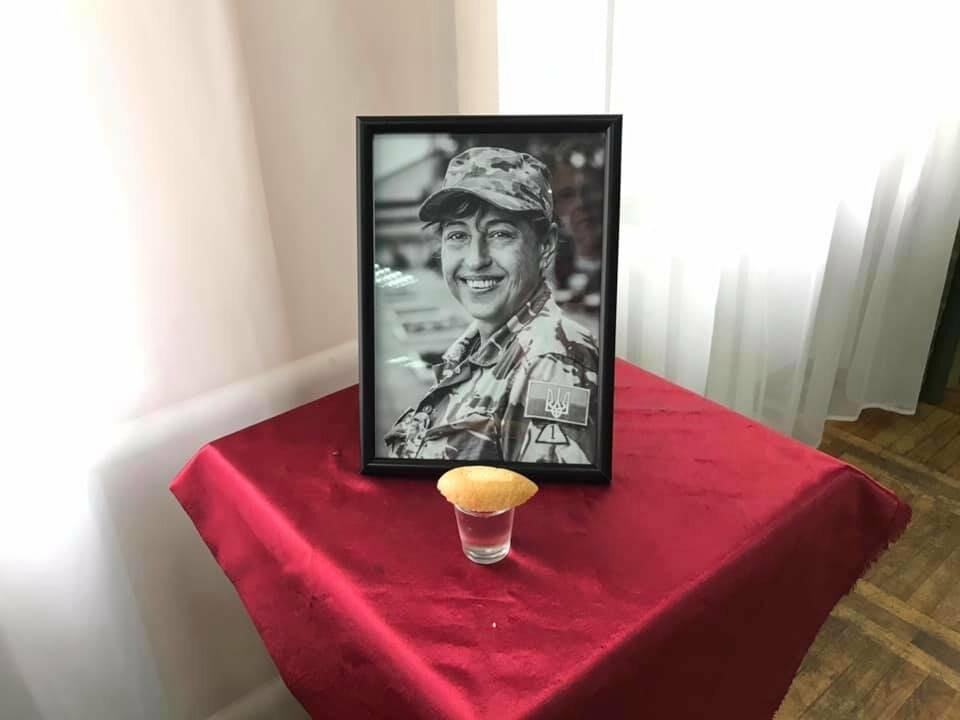 Медик из Херсона, погибшая на Донбассе, посмертно награждена орденом «За мужество», фото-2