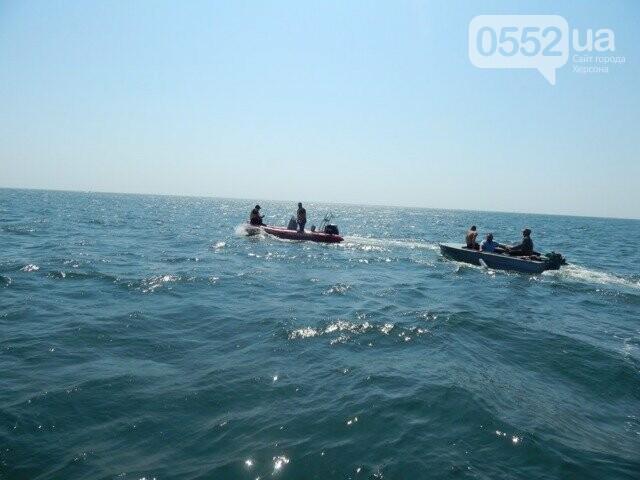В Черном море тонули рыбаки: на помощь пришли пограничники и бойцы Херсонской службы спасения, фото-1
