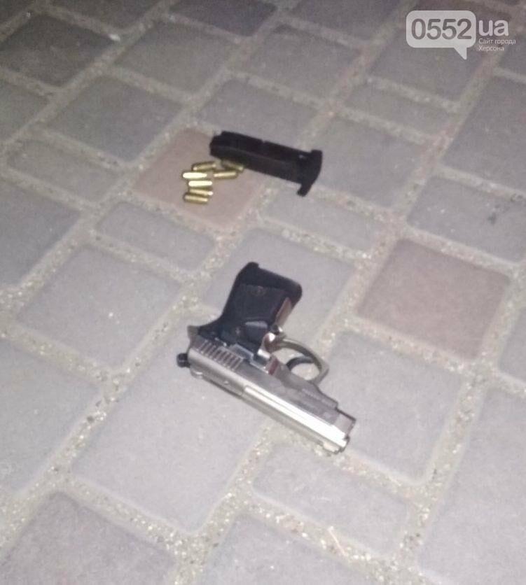 Под Херсоном задержали наркоманов из Киева: везли оружие, наркотики на 300 тысяч гривен, фото-3