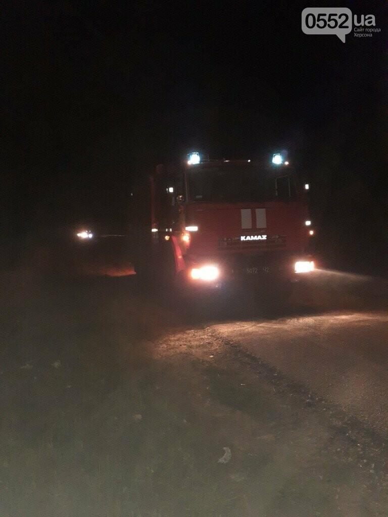На Херсонщине фура с арбузами вспыхнула, словно спичка: пожар из-за самовозгорания соломы, фото-3