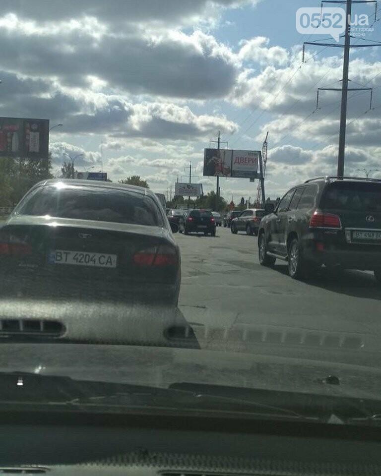 В Херсоне гигантские «пробки» на выезде из города: на Бериславском шоссе ремонтируют дорогу, фото-2