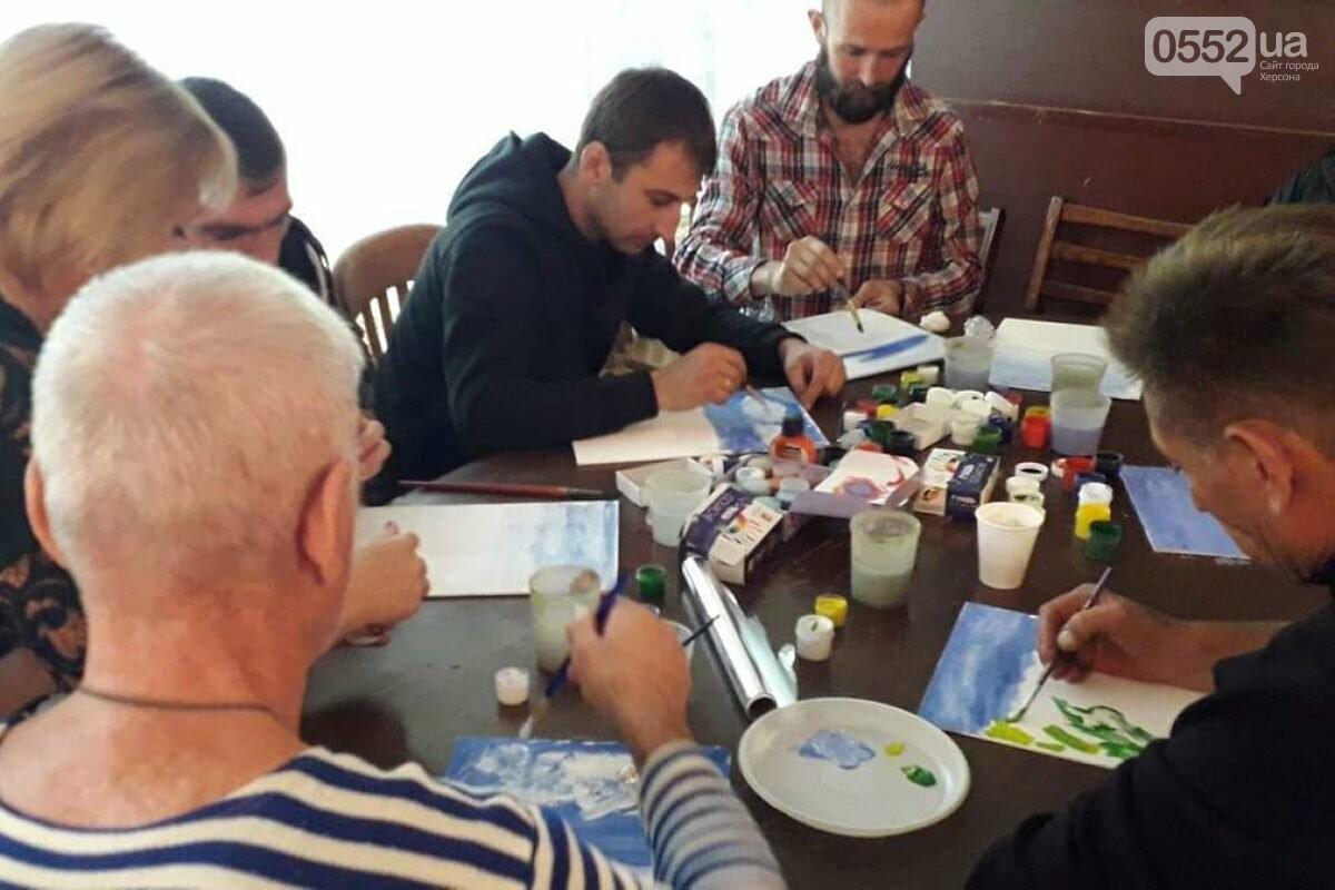 В Херсоне состоялись мастер-классы по рисованию для ветеранов из зоны АТО на Донбассе, фото-3