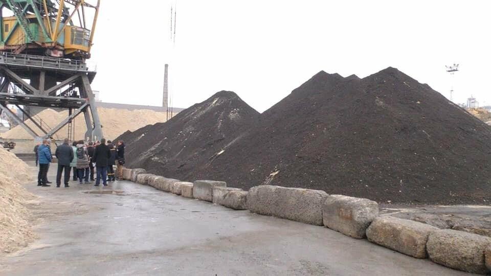 Токсичный песок из Черногории выгружен в порту Херсона: судно загадочным образом исчезло , фото-5