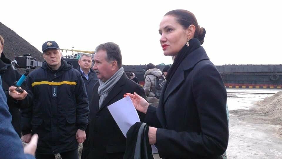 Токсичный песок из Черногории выгружен в порту Херсона: судно загадочным образом исчезло , фото-1