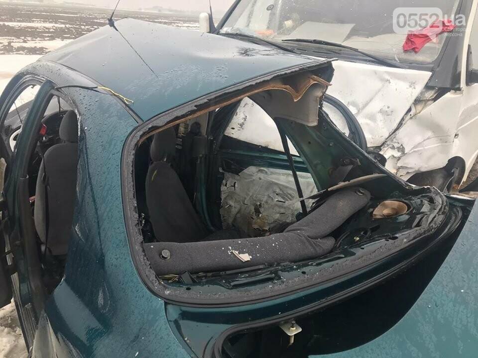 Трое погибших, двое раненых: пассажирский автобус попал в ДТП на трассе Херсон-Снигиревка, фото-4