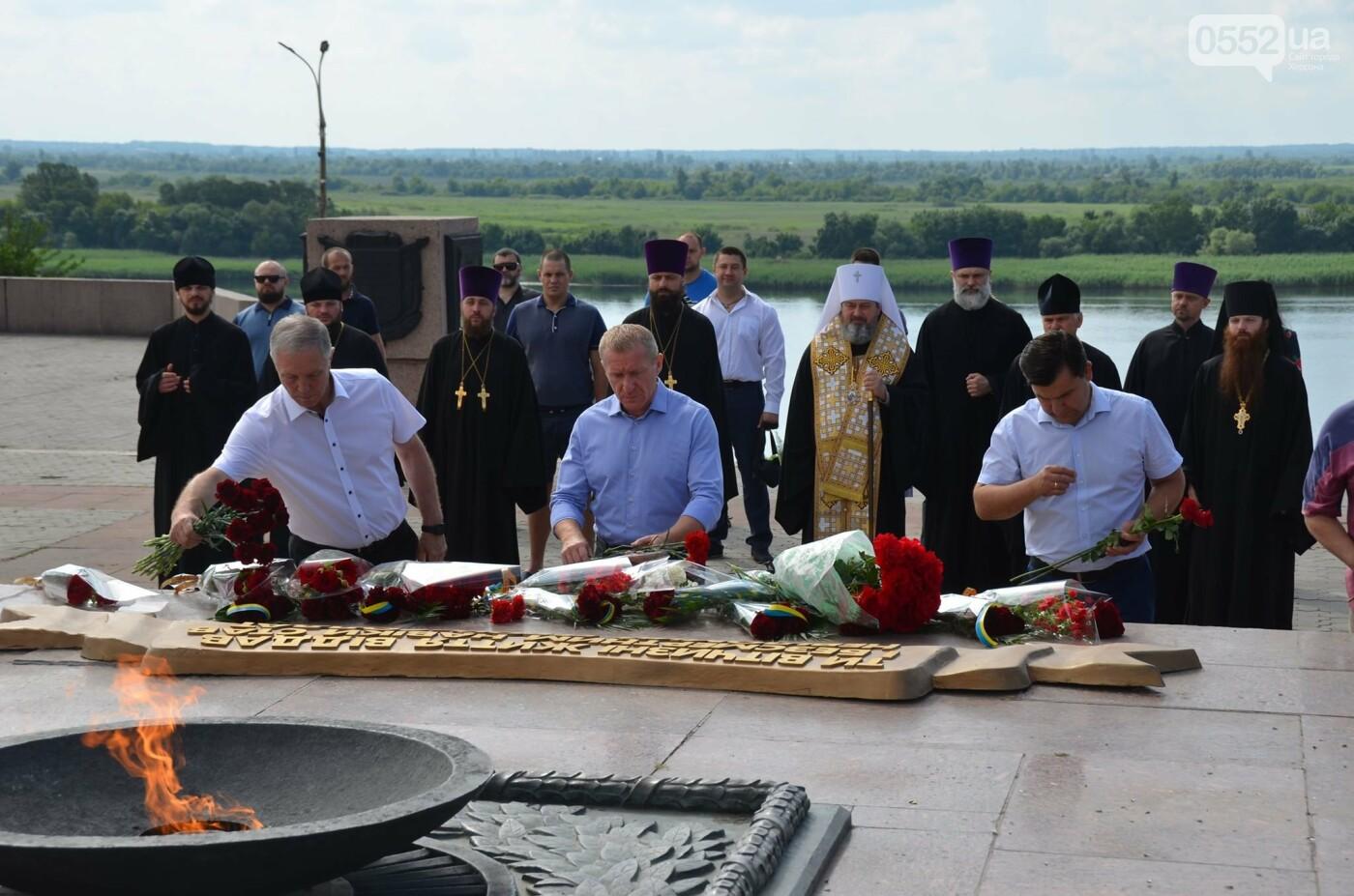 В Херсоне почтили память жертв Второй мировой войны - ФОТО, ВИДЕО, фото-4
