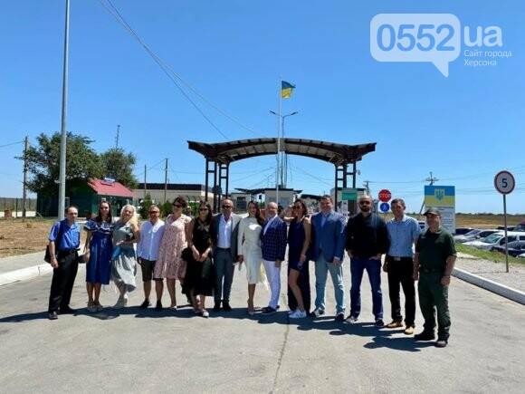 Брак на админгранице: министр Алексей Резников и журналистка Юлия Зорий зарегистрировали брак на КПВВ «Каланчак», фото-2
