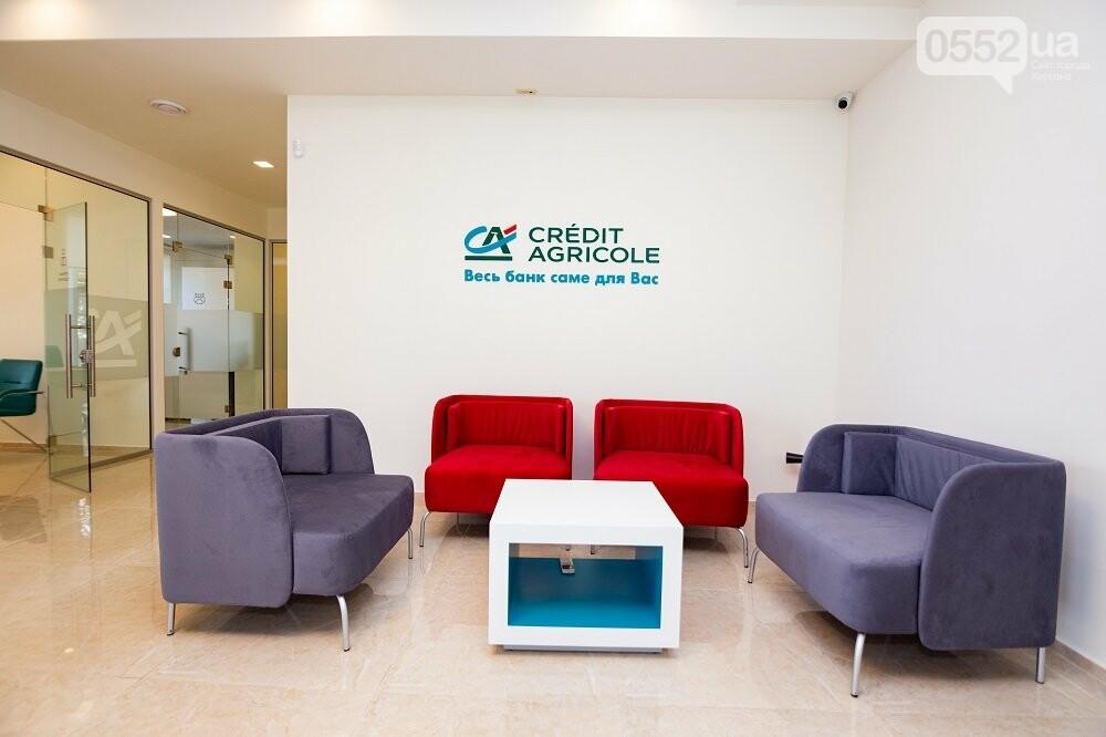 Голова правління Креді Агріколь урочисто відкрив відділення нового формату у центрі  Херсона, фото-2