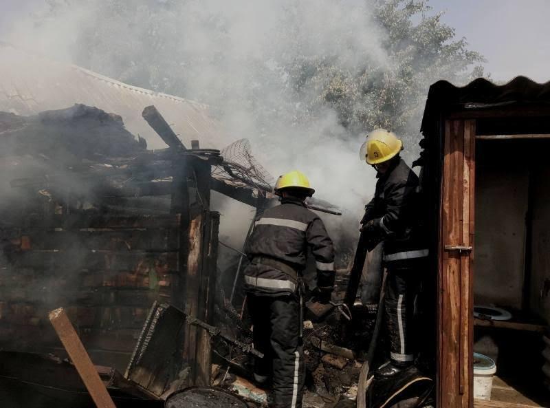 Каховські вогнеборці двічі гасили господарчі споруди, фото-2