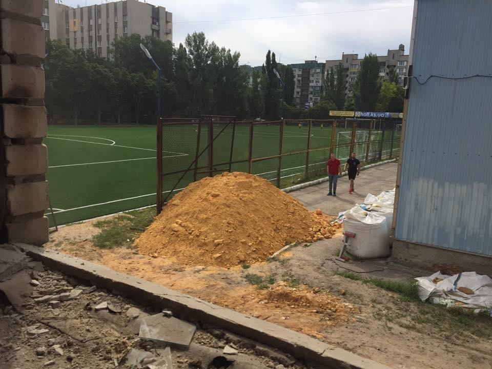 Глава Херсонской ОГА инспектировал будущий Дом Футбола, фото-3