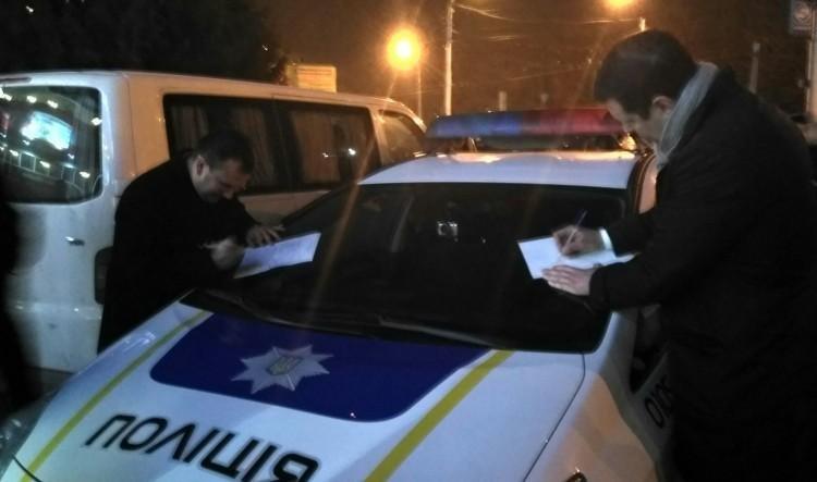 За останню добу поліція Херсонщини отримала майже 500 викликів, фото-1