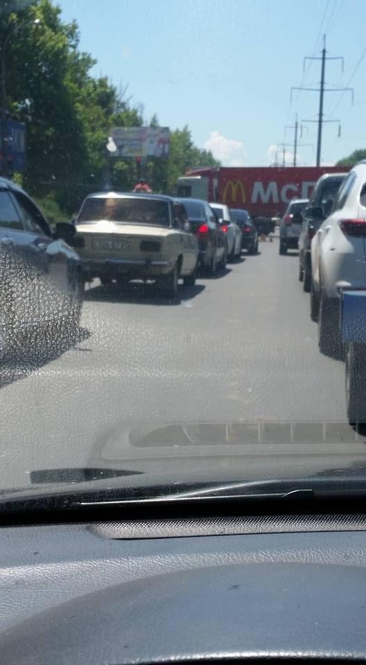Из-за ремонта дорог в Херсоне образовалась пробка, фото-1