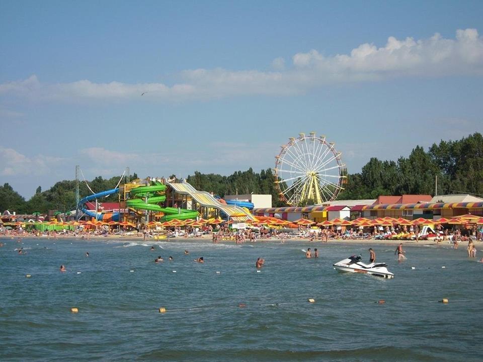 Крымчане массово едут отдыхать на херсонские курорты, фото-1