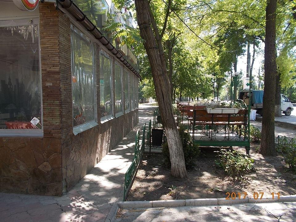 Херсонские кафе ставят летние площадки без документов?, фото-2