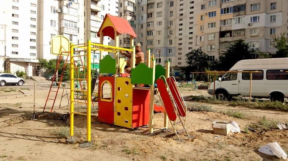 На Херсонщине устанавливают детские площадки, фото-1