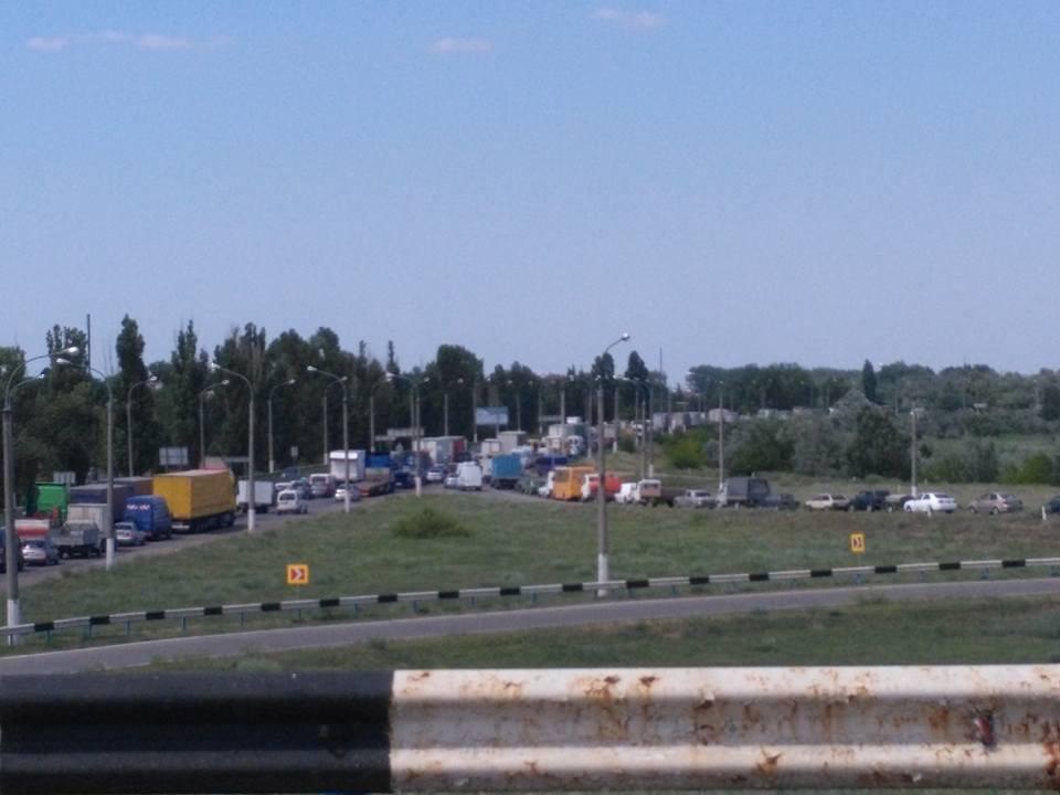 На Херсонщине авария стала причиной огромной пробки (фото), фото-1