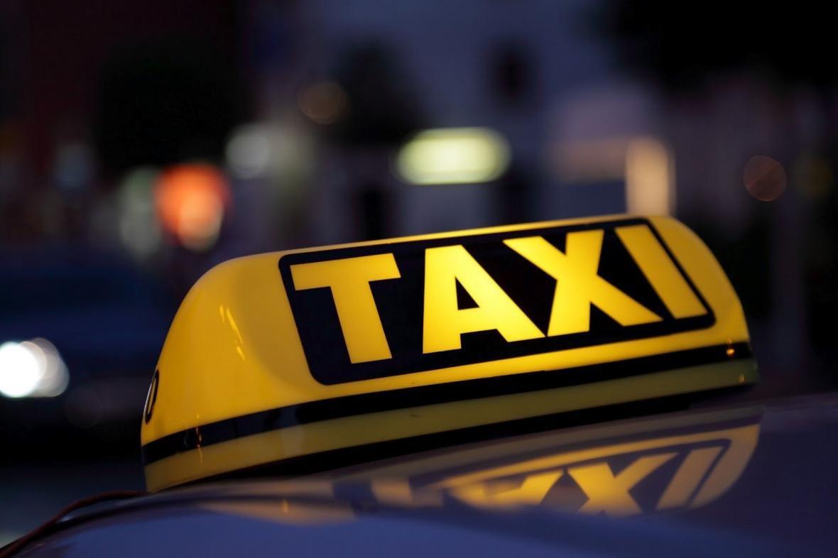 Херсонские таксисты уехали на море?, фото-1
