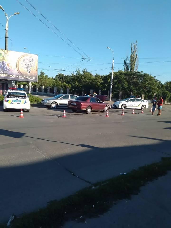 Пьяный водитель устроил погоню в Херсоне, фото-1