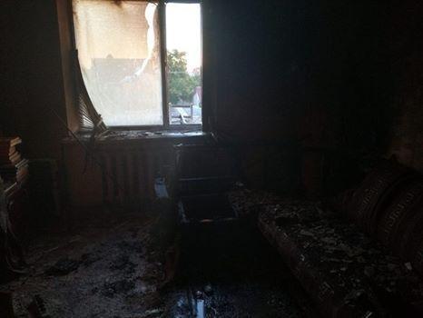 Вибух мобільного телефону став причиною пожежі у кімнаті житлового будинку, фото-2