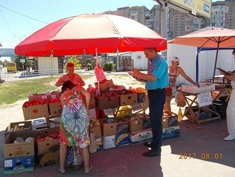 В Херсоне продолжают борьбу со стихийной торговлей, фото-1