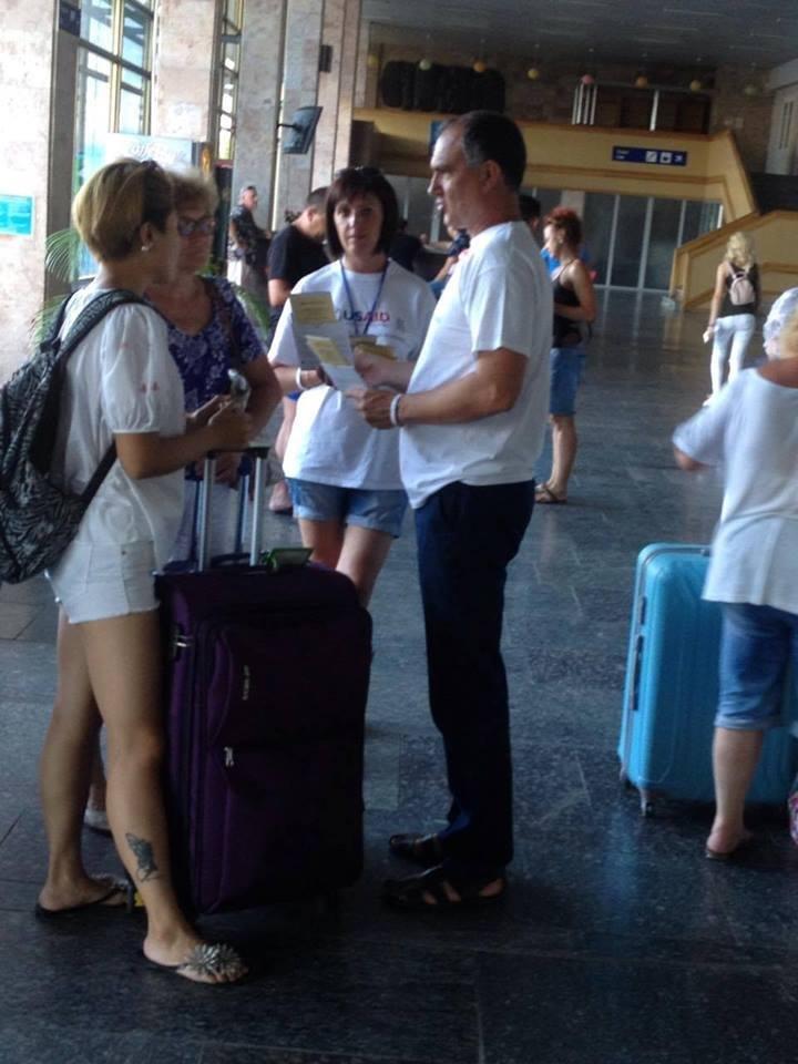 В херсонском аеропорту рассказали о рабстве и торговле людьми, фото-2