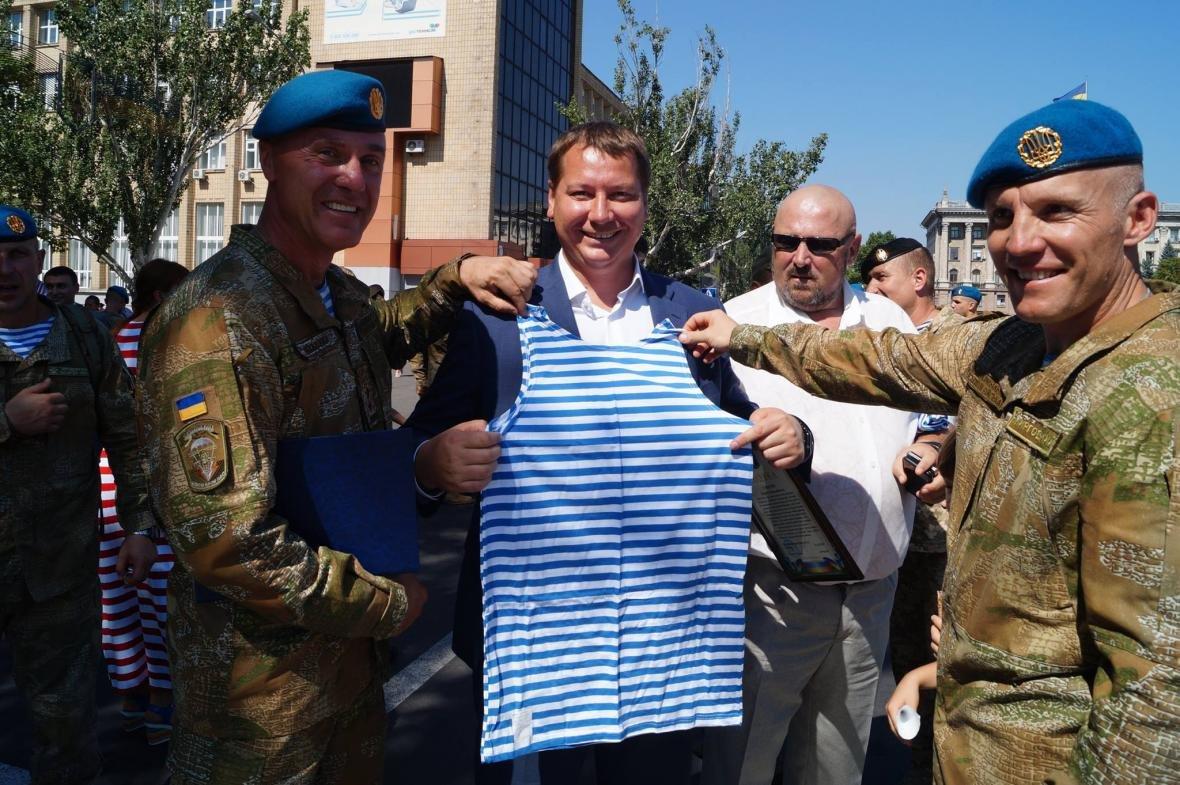 Очільник Херсонщини привітав 79 бригаду ЗСУ з Днем ВДВ, фото-1