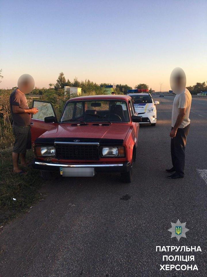 Херсонські патрульні виявили викрадений автомобіль, фото-1