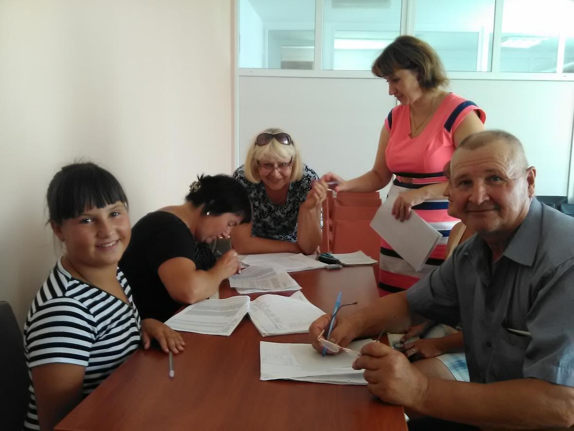 «Мобільний офіс соціального захисту» працює в селищі Зеленівка, фото-1